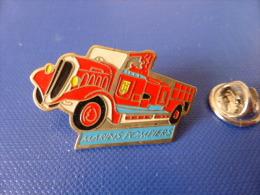Pin´s Sapeurs Pompiers - Marins Pompiers Marseille - Camion Ancien (KC44) - Feuerwehr