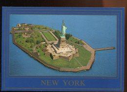 CPM Neuve Etats-Unis NEW YORK La Statue De La Liberté La Nuit - Ellis Island