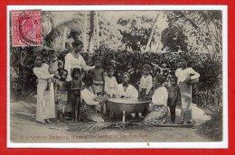 ASIE --  SRI LANKA - ( CEYLAN )  -- A Singhalese Gathering... - Sri Lanka (Ceylon)