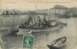SAINT JEAN DE LUZ BATEAUX DE PECHE DEBARQUANT DE L'ANCHOIS  EDITION VILLATTE - Saint Jean De Luz