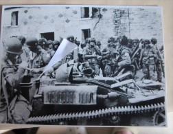 2016.2 Débarquement En Normandie Parachutistes 101st Airborne Avec Tracteur UE Ex-français Capturé - 1939-45