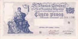 BILLETE DE ARGENTINA DE 5 PESOS LEYES Nº 12962 Y 13571 SERIE H  (BANKNOTE) DIFERENTES FIRMAS - Argentina