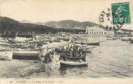 06 Cannes, Plage Et Casino, Groupe D'hommes Et Enfants Qui Embarquent Au 1er Plan, Affranchie 1913 - Cannes