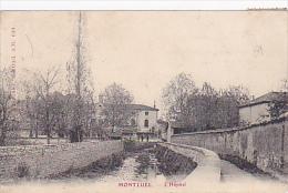 Montluel - L-Hôpital (petite Animation, Au Loin Sur Le Pont) Circulé 1905 - Montluel