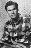 Peter Shaw        A 740 - Célébrités
