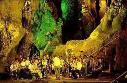 Gibraltar        H14        St Michael's Cave  ( Orchestre ) - Gibilterra
