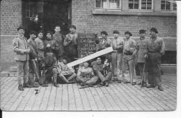 Soldats Français Unité De Sapeurs Du 97ème Avec Leur Chienne Mascotte Et Sa Portée De Chiots 1 Carte Photo 1939-1940 Ww2 - War, Military
