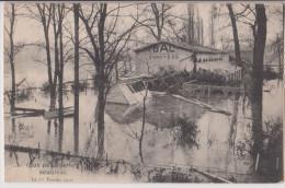 BOUGIVAL : LE BAL DES CANOTIERS - CRUE DE LA SEINE EN 1910 - 2 SCANS - - Bougival