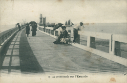 BELGIQUE HEYST / La Promenade Sur L'Estacade / - Heist