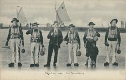 BELGIQUE HEYST / Heyst-sur-Mer, Les Sauveteurs / - Heist