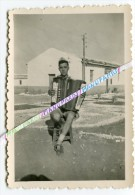 MAROC / PHOTO / CAMP D' EL HAJEB / JUILLET - AOUT 1950 / ACCORDÉONISTE / ACCORDÉON - Marruecos