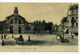 64.Pau.La Rue Carnot Et Les Halles. - Pau