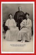 ASIE -- COREE --  Jeune Prêtre Coréen , Son Père Et Sa Mère - Corée Du Sud