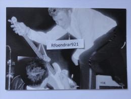 Johnny HALLYDAY.Podium D´Europe 1 LE HAVRE 1963. (V.clichés Recto-verso) - Artistes