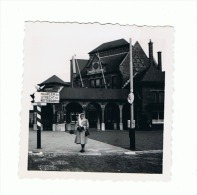 Foto ( +/- 6 X 6 Cm) Station, Gare, Statie  ZHESM ()1949 (ALB) - Places