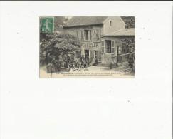 Paris-Montmartre  75    Restaurant-Traiteur (Le Lapin A Gill -sur Façade Peint Par André Gill) Terrasse Tres Tres Animée - Pubs, Hotels, Restaurants