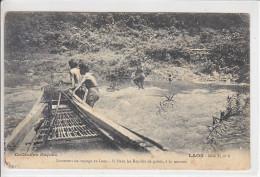 LAOS - PIROGUE DANS LES RAPIDES - PERSONNAGES - 1909 - Laos