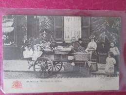 BRUXELLES . MARCHANDE DE LEGUMES . DOS 1900  . RARE - Mercati