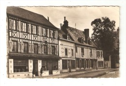 CPA 27 LYONS LA FORET Vieilles Maisons - Lyons-la-Forêt