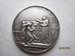 Médaille De Mariage En Argent  , Signée F.Montagny , Initiales : V.D.- S.P. 28 Octobre 1911 - France