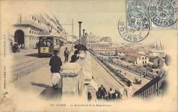 TRAMWAYS - Tramway En Bon Plan à ALGER Place De La République ( Pub Chocolat Menier ) Jolie CPA Colorisée - ALGERIE - Tramways