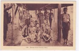 Groupe D'une Famille Moïs - Viêt-Nam
