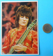 RON WOOD - THE ROLLING STONES ... Panini Modena Italy Vintage Card ** VERY LARGE SIZE **  RRR - Other Products