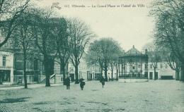 Vilvoorde / Vilvorde - La Grand´Place Et L´Hôtel De Ville - 1947  ( Verso Zien ) - Vilvoorde