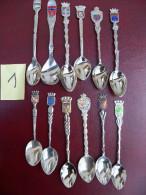Lot De 12 Petites Cuilleres De Collection. - Lepels