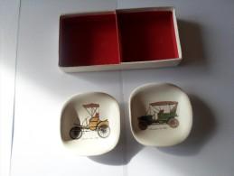 TRES BEAU COFFRET DE 2 CENDRIERS DES ETS LETANG A PROVINS - Porcelaine