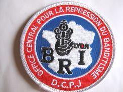 INSIGNE TISSUS PATCH  POLICE NATIONALE LA BRI DE LYON DCPJ ( SUR VELCROS) ETAT EXCELLENT - Police