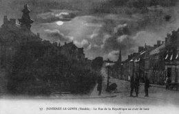 Fontenay Le Comte : La Rue De La République Au Clair De Lune - Fontenay Le Comte