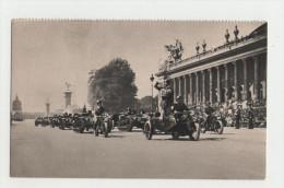 INFANTERIE - Chenillettes D´infanterie Devant Le Grand Palais - Chars -  Guerre 1914-18 - 1914-18