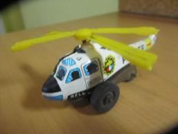 Hélicoptère Police En Tole, Hélice Tourne Avec Les Roues (AH64) - Toy Memorabilia