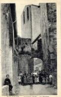 11 TALAIRAN   Ancienne Porte  Le Clocher Très Très Animée - France