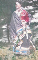 Menominee Woman Of Wisconsin - Museum Of The American Indian - Indiens De L'Amerique Du Nord