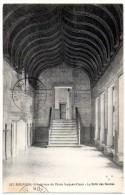 Cpa   Bourges   Intérieur Du Palais Jacques Coeur . La Salle Des Gardes . TBE - Bourges