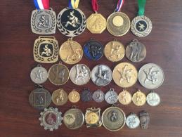 Lot De 34 Médailles Sport Judo France - France