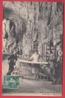 FORGES-LES-EAUX * 1920 * Etablissement Thermal* La Grotte * Animation * LL12 * Voir Scan RECTO / VERSO - Forges Les Eaux