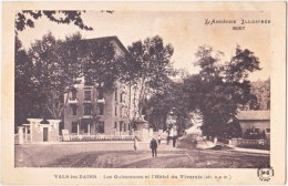 07. VALS-LES-BAINS. Les Quinconces Et L'Hôtel Du Vivarais. 8057 - Vals Les Bains