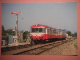 CF 331 SAINT AMAND MONTROND  Train Entrant En Gare - Saint-Amand-Montrond