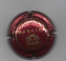 Bas De L´ecusson Arrondi Bordeaux Et Or Brillant - Mercier