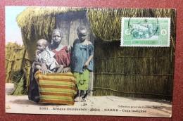 Old  Postcard  With Stamp 1914s  Africa.  Senegal. Dakar. Case Indigene. Woman With Children. Ethnic - Senegal