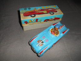 Vieille Voiture RACER à Friction ( Fonctionne Toujours  ) Années 70 . - Toy Memorabilia