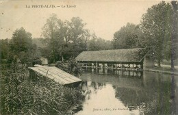 La Ferté-Alais - Le Lavoir - Essonne  91590 - Cpa Ayant Voyagée - La Ferte Alais