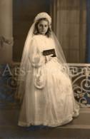 Photo Ancien / Fille / Girl / Meisje / Communie / Communion / Vormsel / Confirmation / Germaine Van Den Brande - Personnes Identifiées