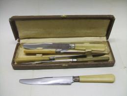 Coffret De 5 COUTEAUX En Corne LE LEOPARD - Knives