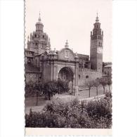 ZRGZTPA4359-LFTD10591.Tarjeta Postal De ZARAGOZA.Arboles,calle Y CATEDRAL DE TARAZONA - Zaragoza