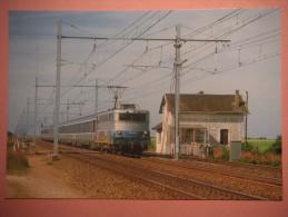 CF 344  OINVILLE SAINT LIPHARD   Train Dernier Passage Niveau Avec Barrières Manuelle En 2003 - France