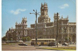 CT--N--1428--   MADRID  -  LA CIBELES Y PALACIO DECOMUNICXACIONES -  BUS-  AUTO-  BICI - Madrid